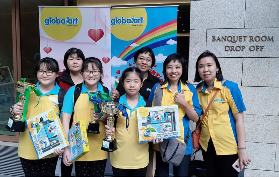 The Winners Of 2019 Globalart International Art Competition With Teachers And Parents @ Singapore